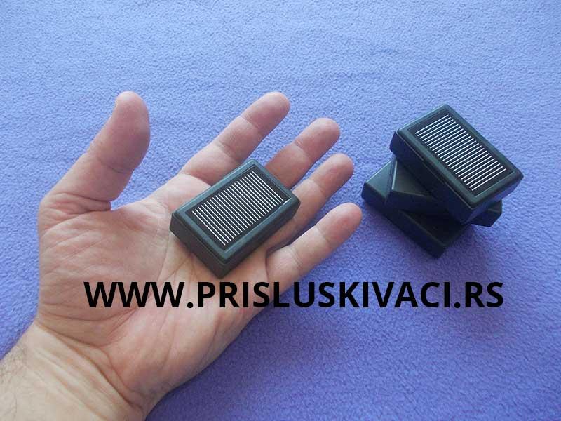 prisluskivac gsm- prisluskivac R600 slika iz ruke