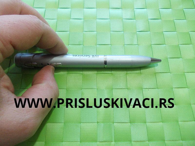 snimač špijunska olovka u ruci